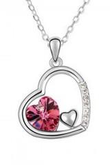 Přívěsek a řetízek ve tvaru srdce s krystaly
